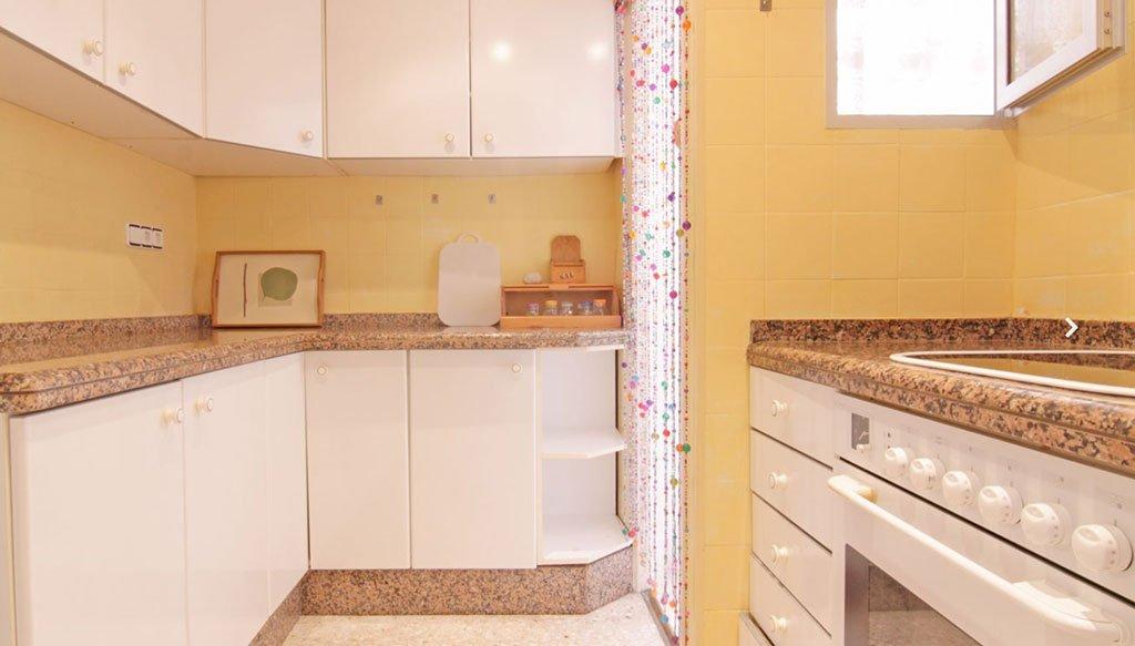 Cuina d'un pis a venda dins de Xàbia - MORAGUESPONS Mediterranean Houses