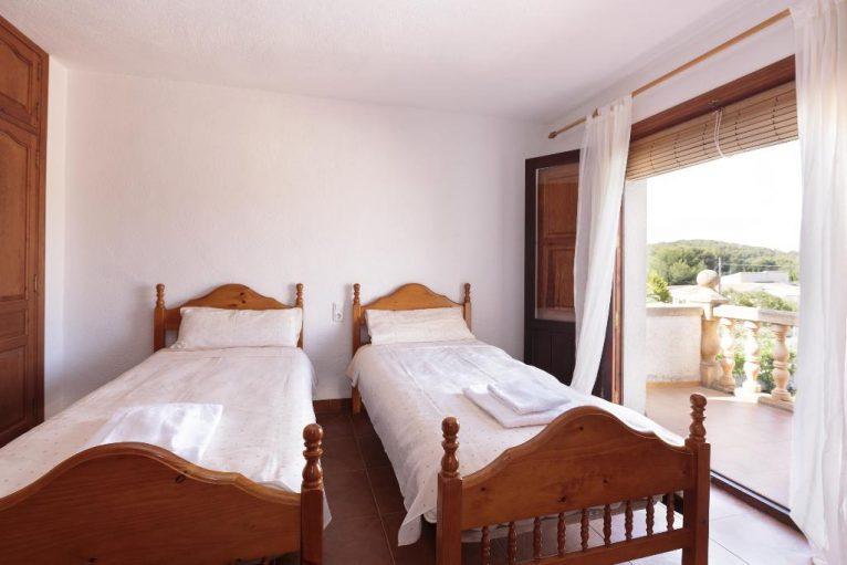 Dormitorio doble en una casa para seis personas en Jávea - Quality Rent a Villa