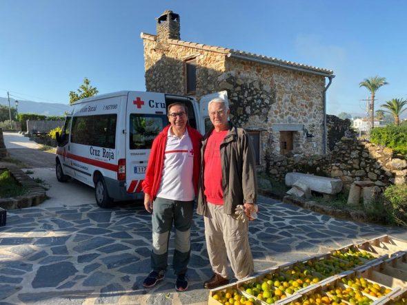 Imatge: El president Creu Roja Xàbia al costat del president de la Fundació