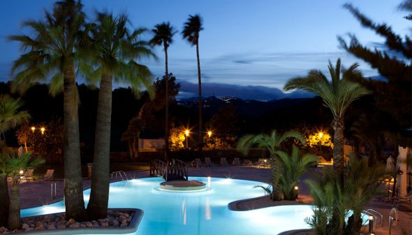Image: Dusk at the Hotel Dénia Marriott Golf Resort & Spa