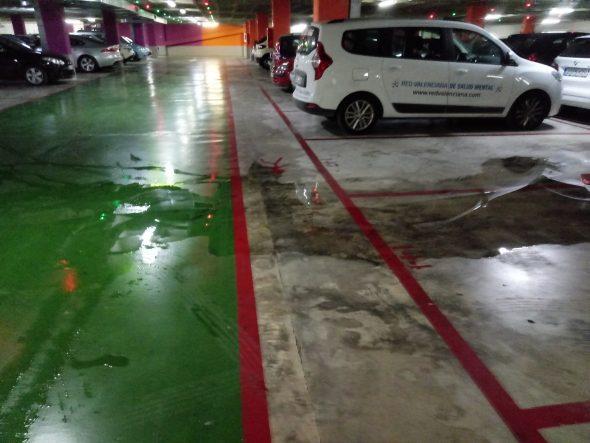 Image: Filtration de l'eau à l'intérieur du parking de la Constitution