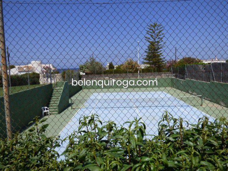 Apartamento en urbanización con piscina, jardín y pista de tenis - Inmobiliaria Belen Quiroga