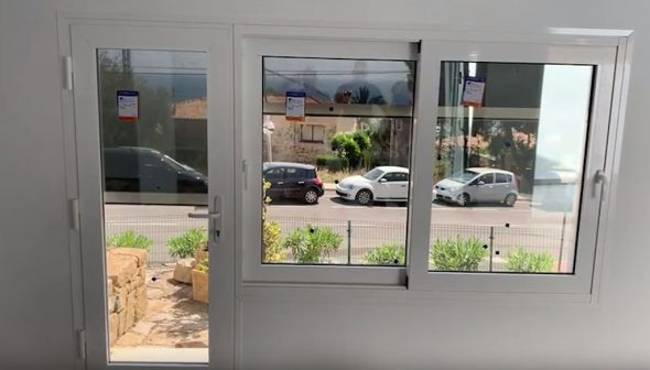 Image: Wind Screen motorized screen for door and window - Alucardona Pvc y Aluminios SL