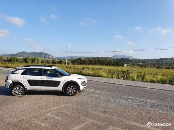 Imagen: Vehículo embestido por detrás en el accidente