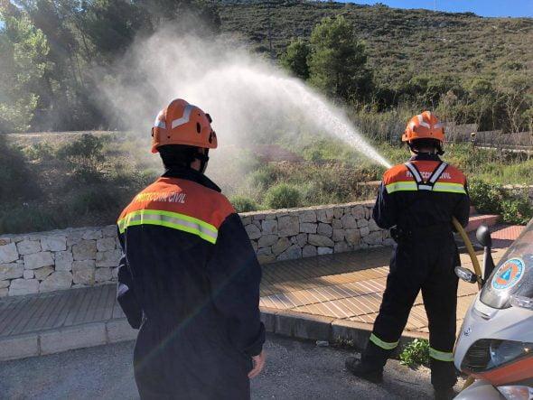 Afbeelding: Civiele bescherming Vrijwilligers die optreden vóór een brandincident