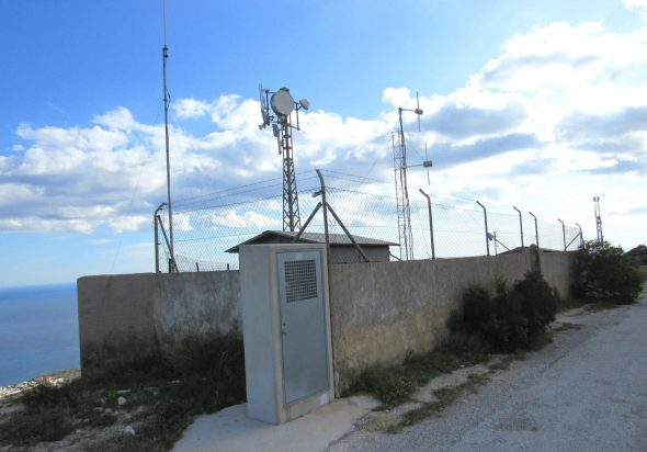 Image: Antennes installées dans le Puig Llorença