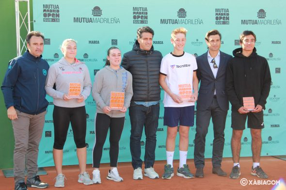 Imagen: Campeones y subcampeones del Circuito de Tenis