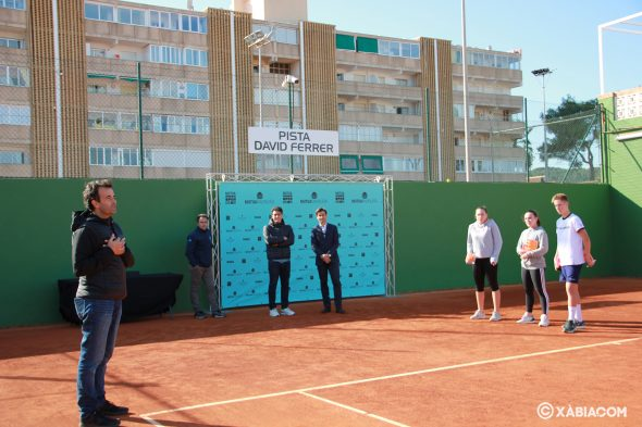 Imagen: El Club Tenis Jávea dedica una pista al tenis David Ferrer