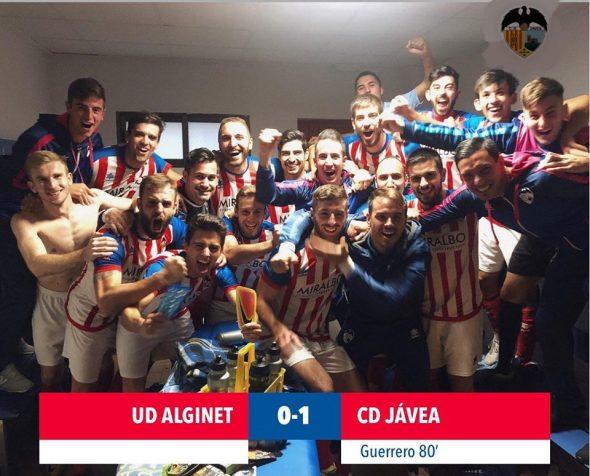Imagen: El equipo del CD Jávea gana ante el Alginet