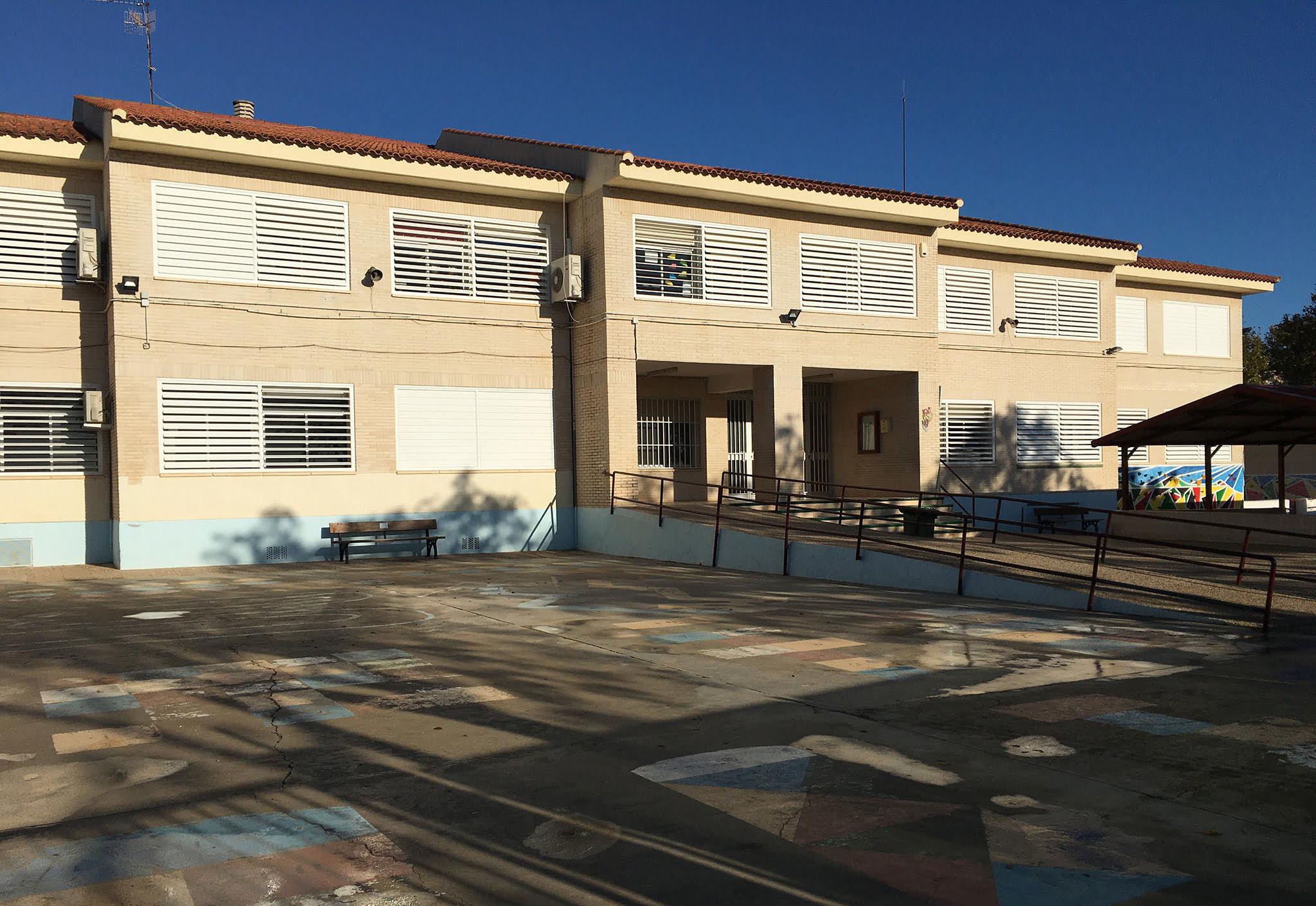 Fachada Colegio Trenc d'Alba