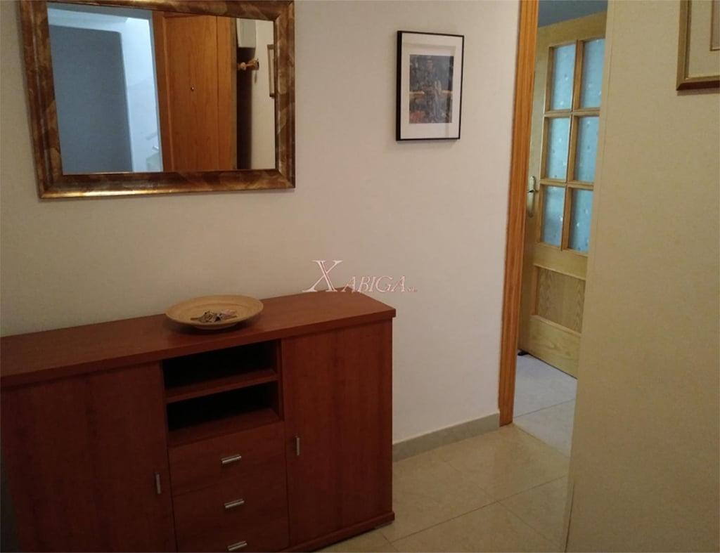Hall Apartamento Renovado Puerto - Xabiga Inmobiliaria