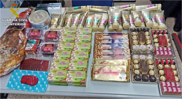 Image: Products stolen by thieves and recovered by the Civil Guard