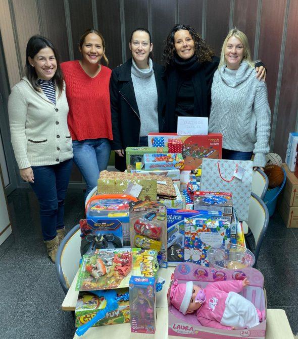 Imagen: Aportación de juguetes de colegio l'Arenal para el centro