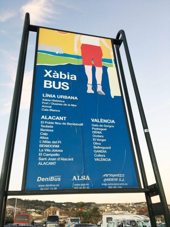 Imagen: Cartel principal en la estación de autobuses de Jávea
