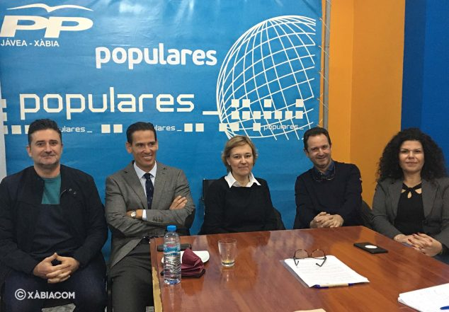 Imagen: Concejales del PP Xàbia