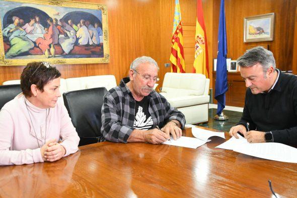 Imagen: Firma del convenio con ADIMA