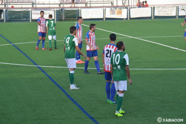 Afbeelding: Online verdediging van CD Jávea tegen Pego cf