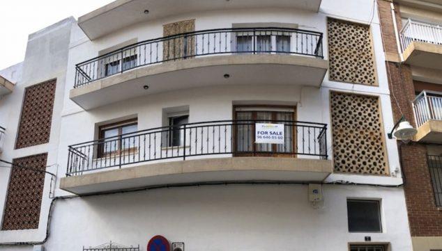 Imagen: Fachada de una casa de pueblo en venta en el puerto de Jávea - Terramar Costa Blanca