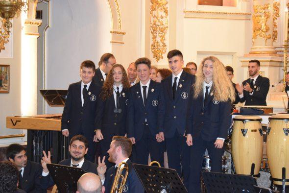 Imagen: Jóvenes que se incorporan a la banda