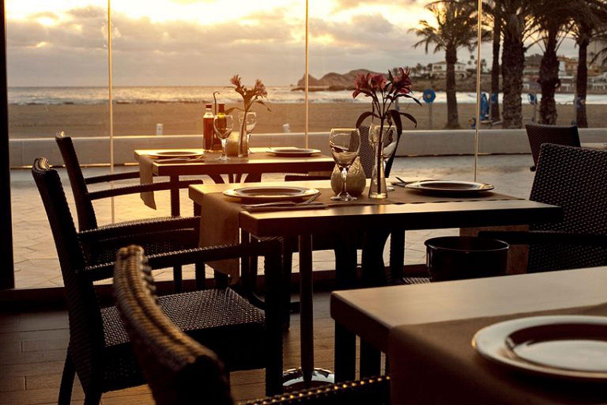 Mesa con vistas en Restaurante La Fontana