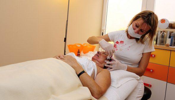 Bild: Gesichtsbehandlungen in der CUME Poliklinik