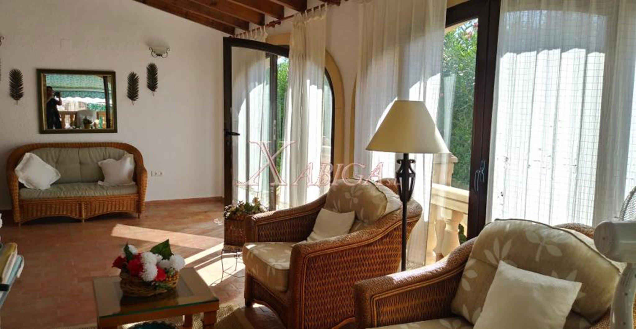 Salón en una casa a la venta con Xabiga Inmobiliaria