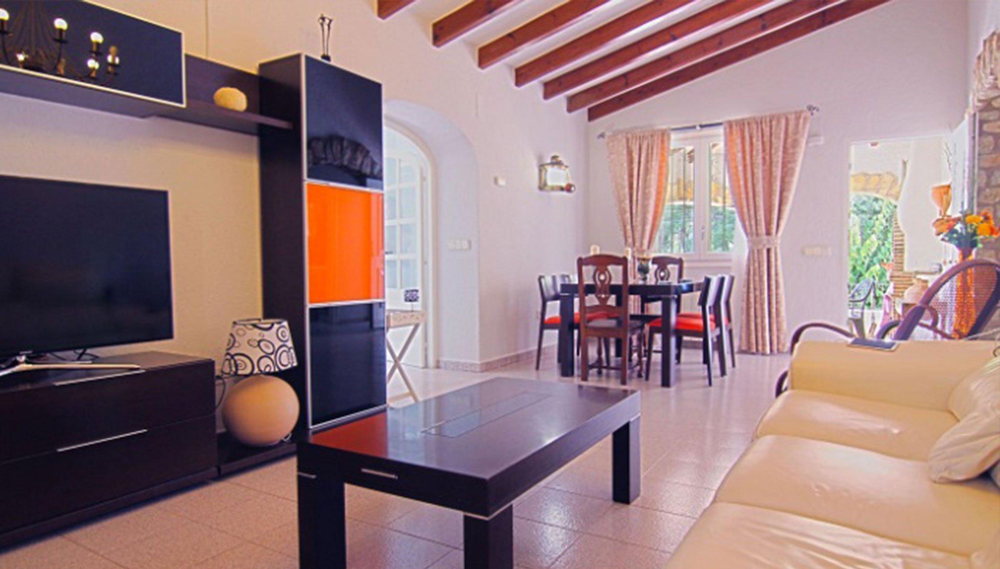 Wohnzimmer einer Villa zum Verkauf neben der Cala del Portitxol - MORAGUESPONS Mediterranean Houses