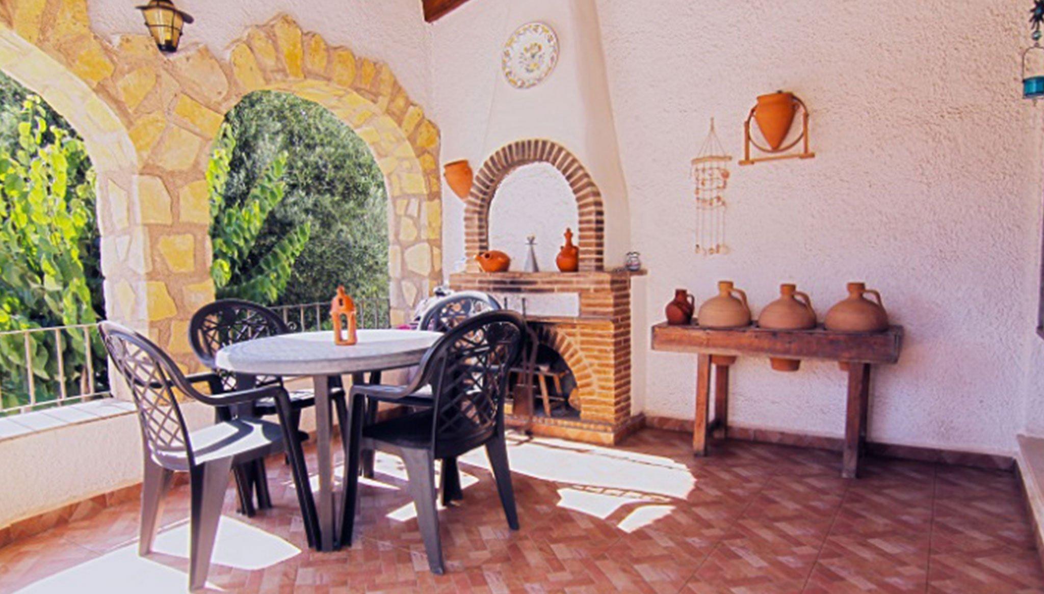 Überdachte Terrasse in einer Villa zum Verkauf in Balcón al Mar - MORAGUESPONS Mediterranean Houses