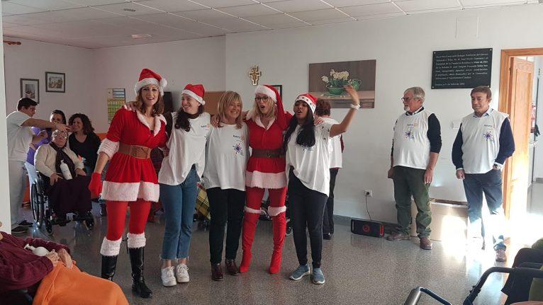 Visita del Club Rotary Jávea a los mayores