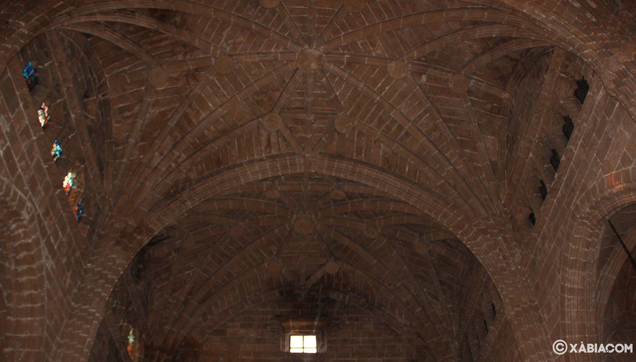 Bóveda de crucería en el interior de la Iglesia de San Bartolomé de Jávea