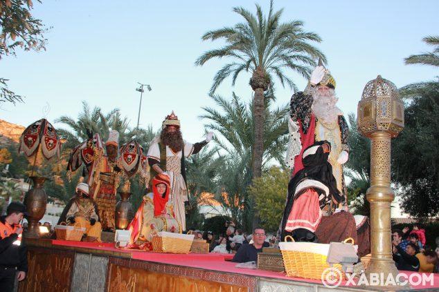 Imagen: Carroza con los tres Reyes Magos
