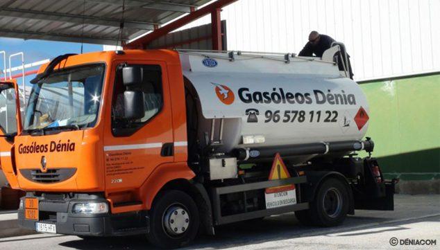 Immagine: camion di consegna per diesel a casa - Gasóleos Dénia D