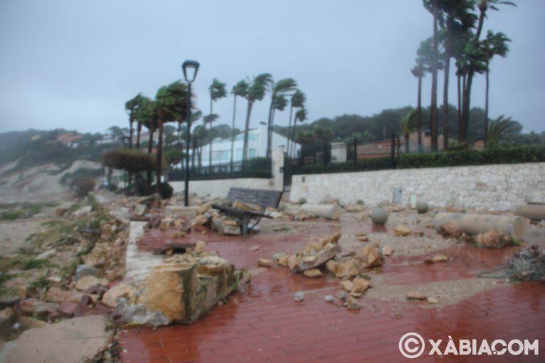 Brandelli di pioggia, vento e mare in Xàbia (11)