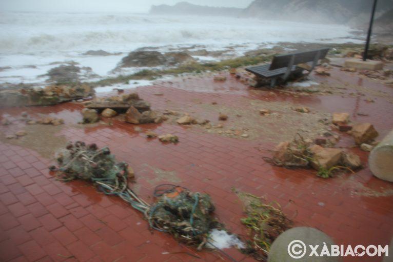 Brandelli di pioggia, vento e mare in Xàbia (12)