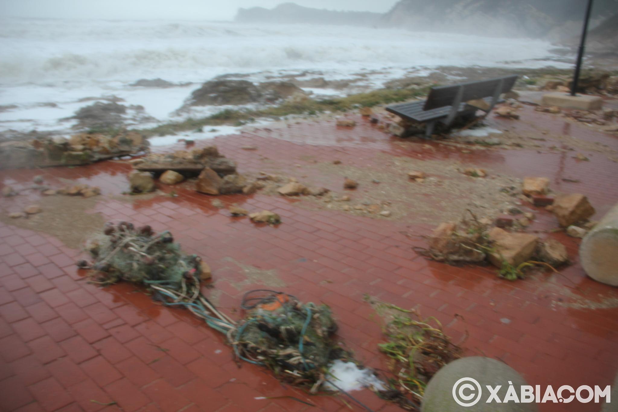 Pluie, vent et tempête de mer déchiquetés à Xàbia (12)