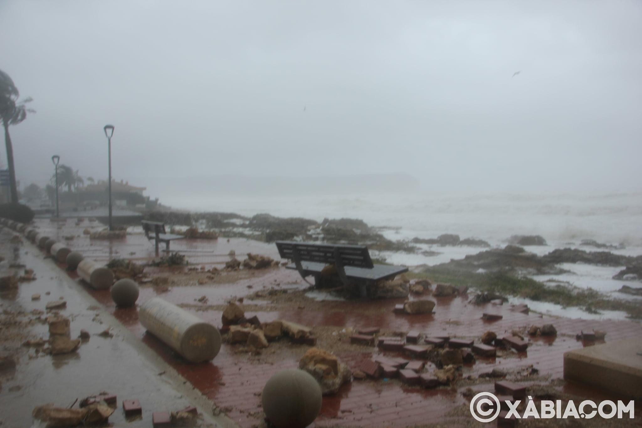 Pluie, vent et tempête de mer déchiquetés à Xàbia (13)