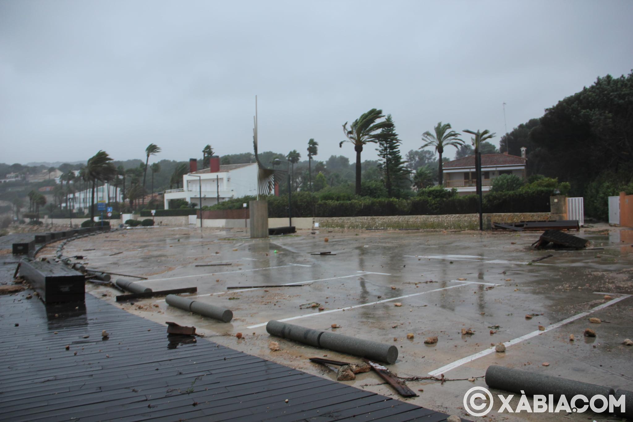 Pluie, vent et tempête de mer déchiquetés à Xàbia (2)