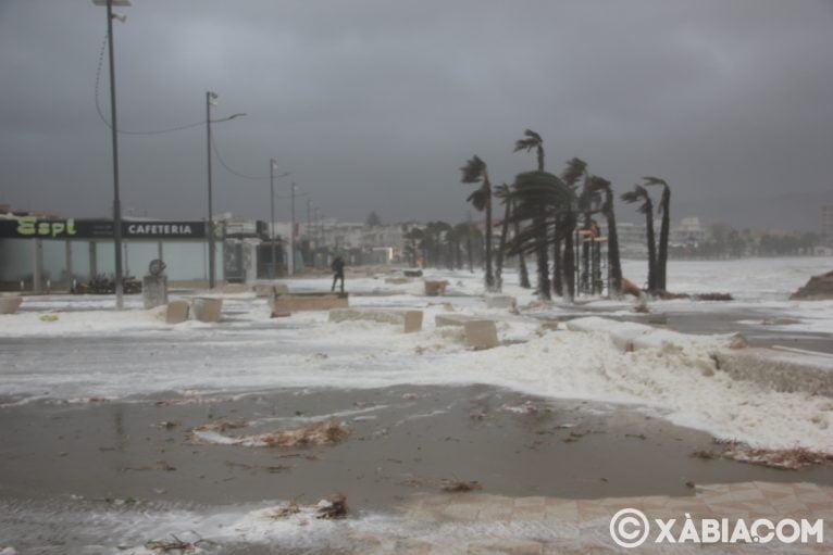 Brandelli di pioggia, vento e mare in Xàbia (21)