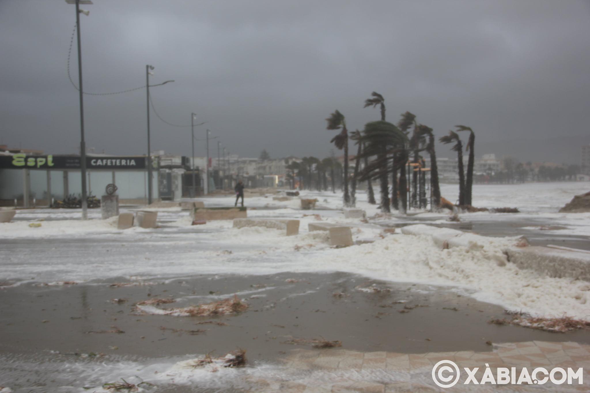Pluie, vent et tempête de mer déchiquetés à Xàbia (21)