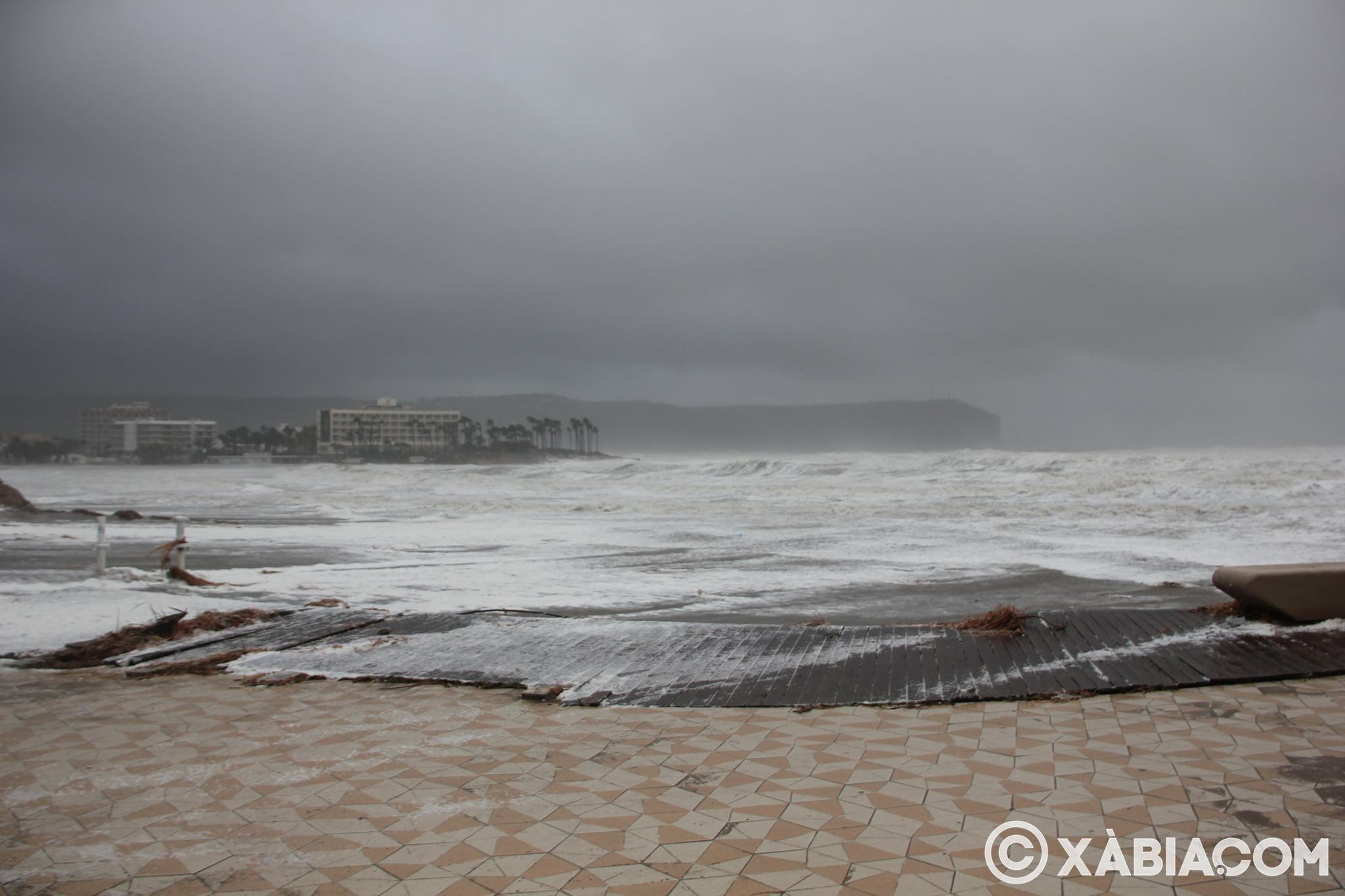 Pluie, vent et tempête de mer déchiquetés à Xàbia (24)
