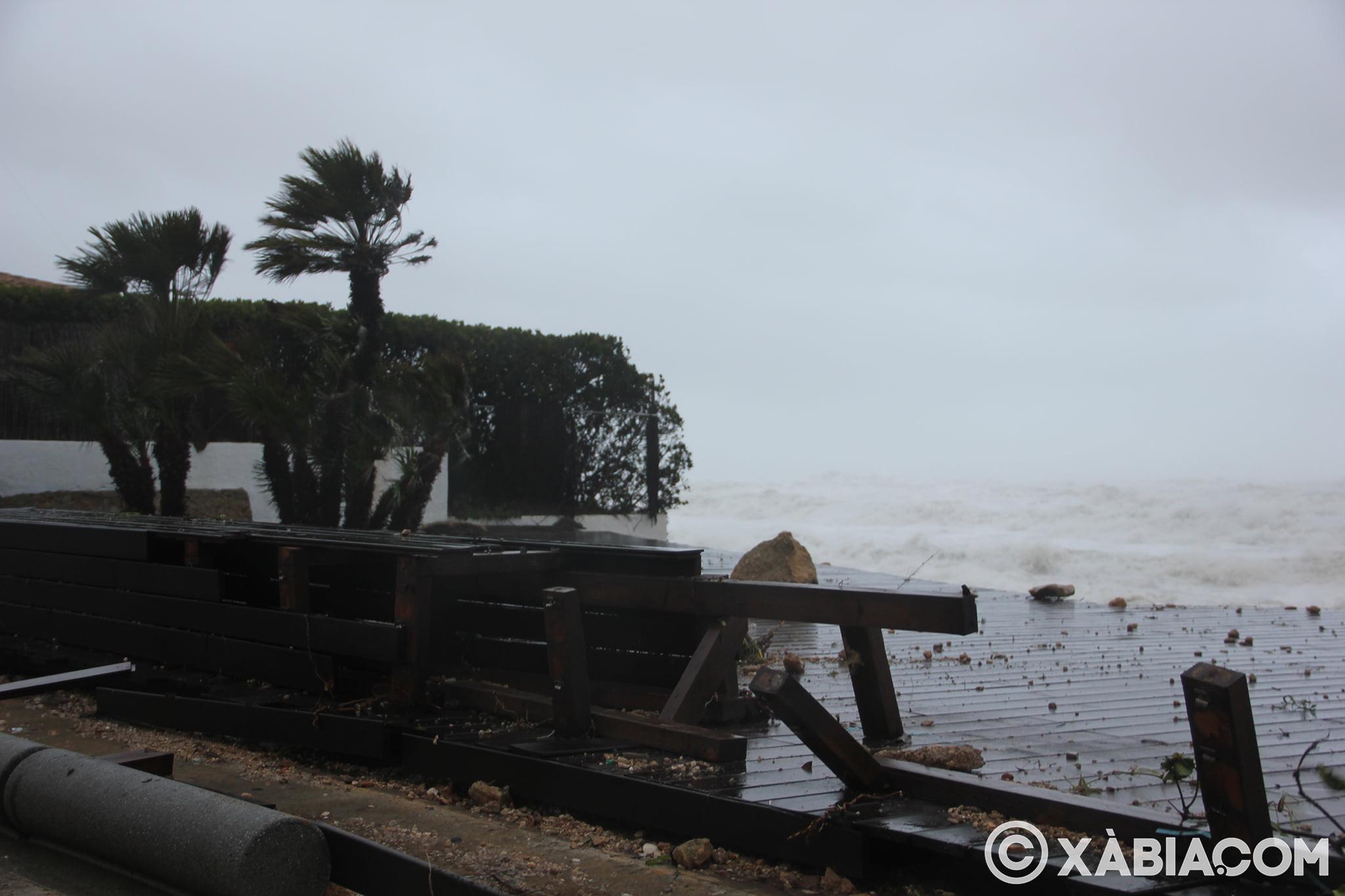 Pluie, vent et tempête de mer déchiquetés à Xàbia (3)