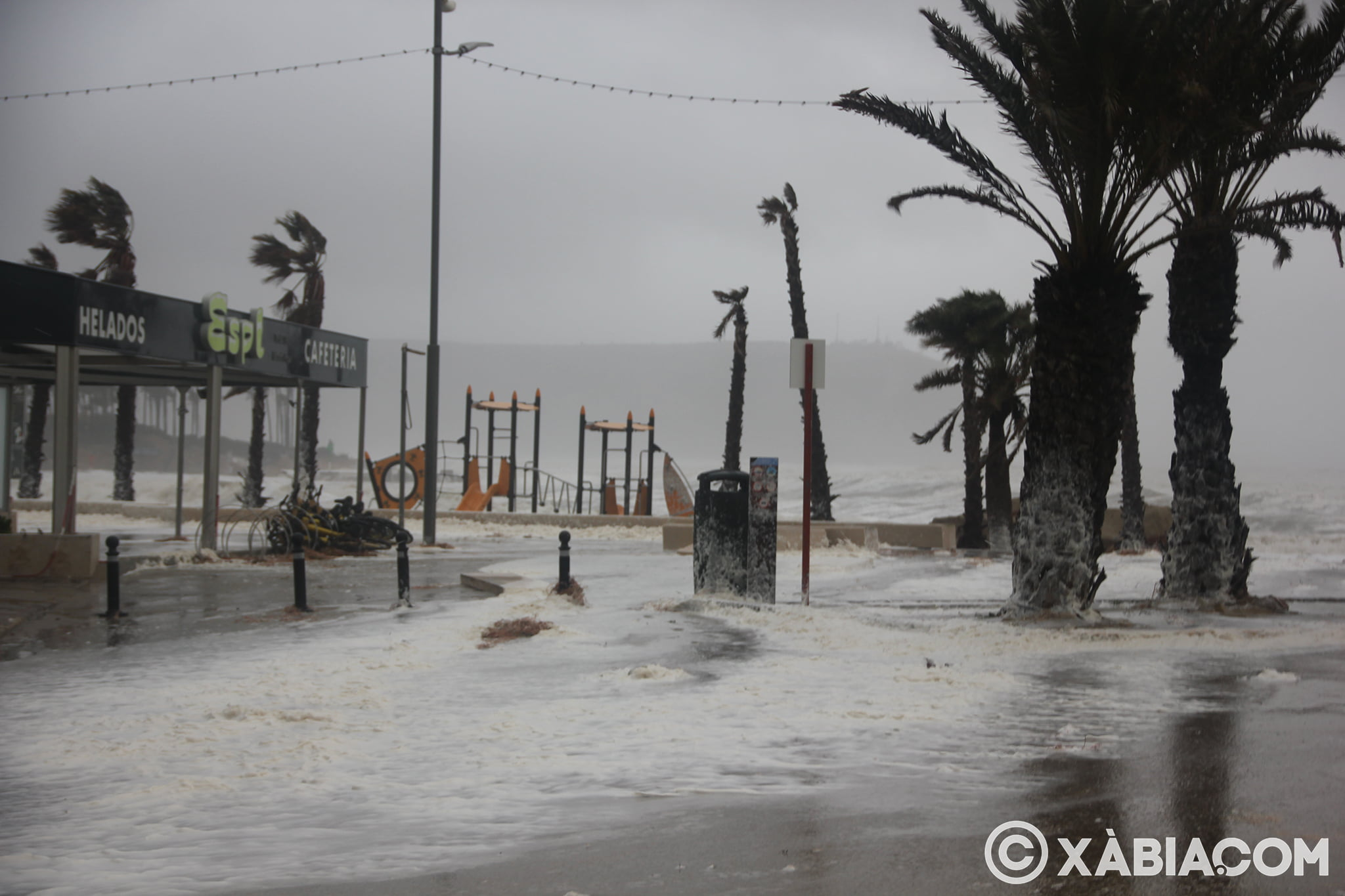 Pluie, vent et tempête de mer déchiquetés à Xàbia (31)