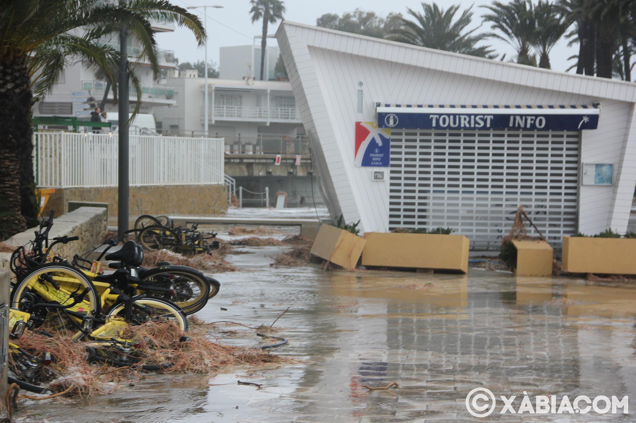 Pluie, vent et tempête de mer déchiquetés à Xàbia (34)