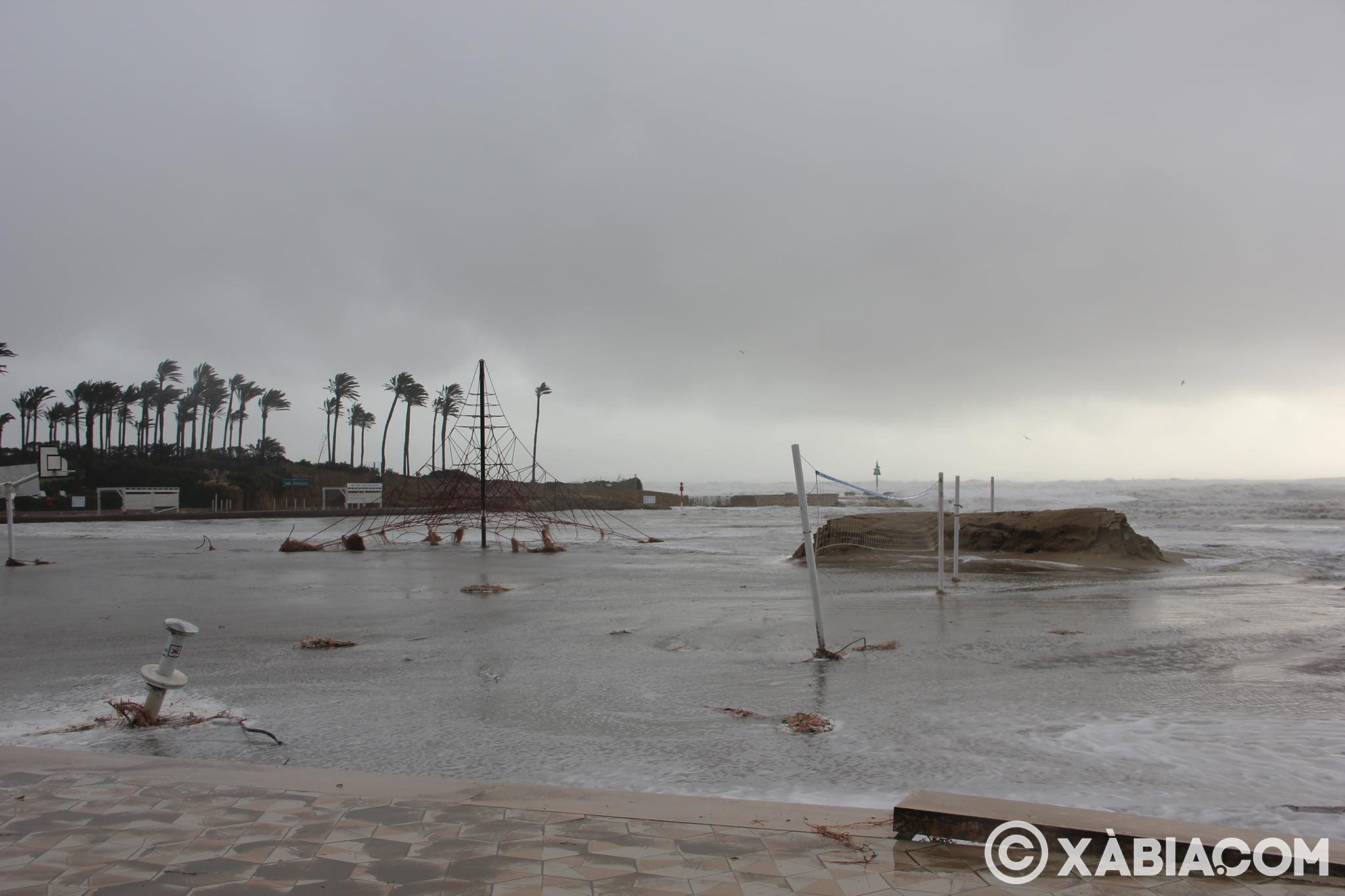 Pluie, vent et tempête de mer déchiquetés à Xàbia (36)