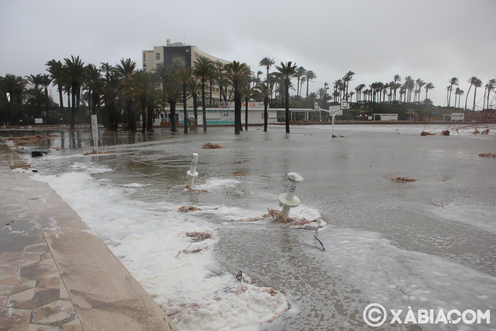 Pluie, vent et tempête de mer déchiquetés à Xàbia (37)