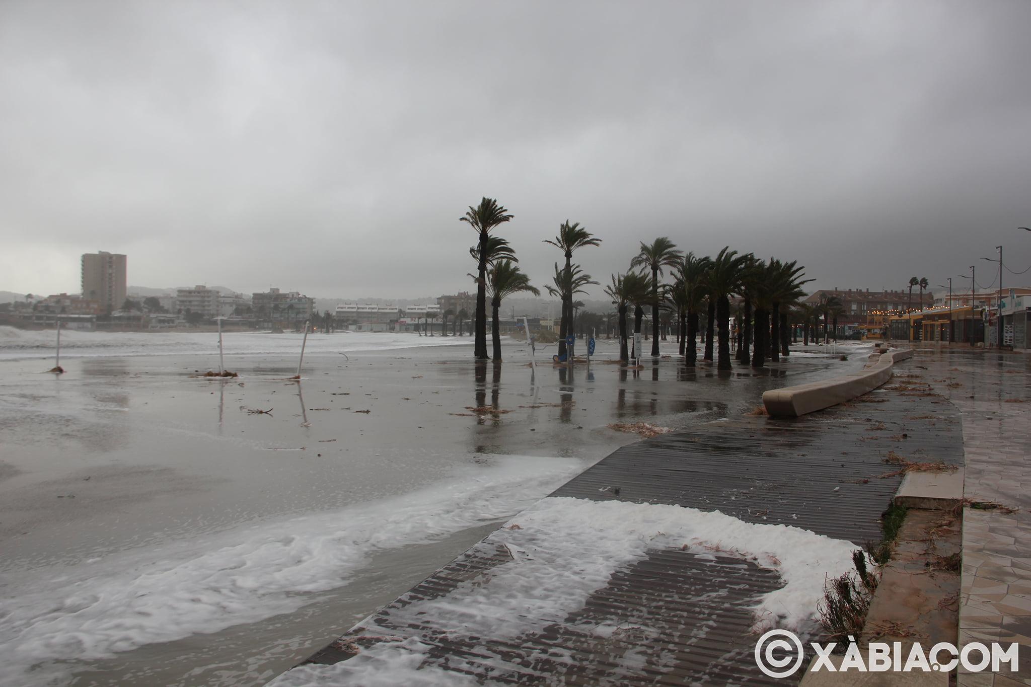 Pluie, vent et tempête de mer déchiquetés à Xàbia (39)