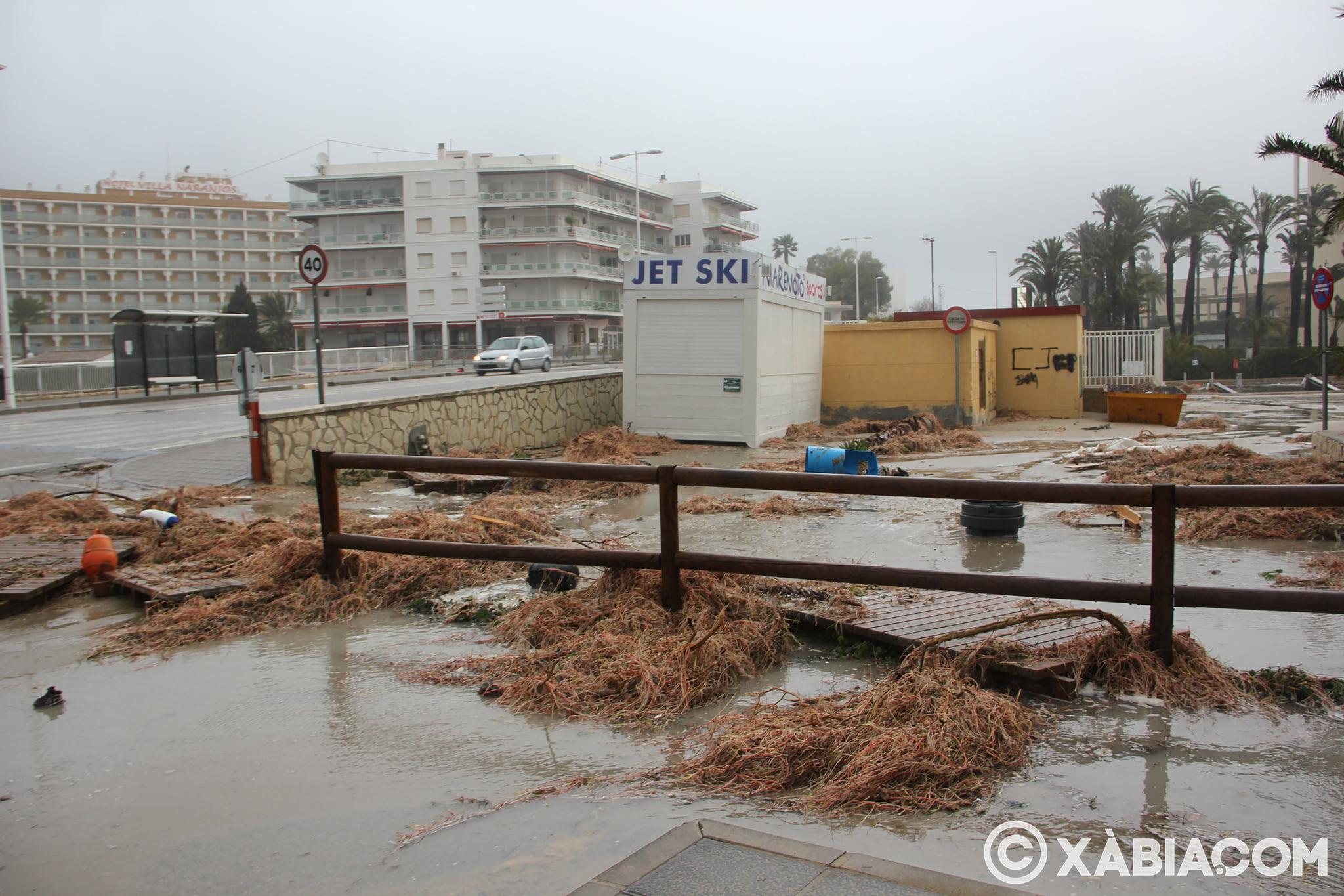 Pluie, vent et tempête de mer déchiquetés à Xàbia (40)