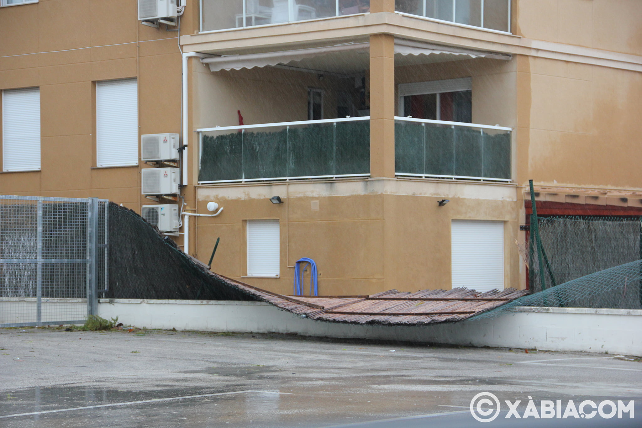 Pluie, vent et tempête de mer déchiquetés à Xàbia (43)