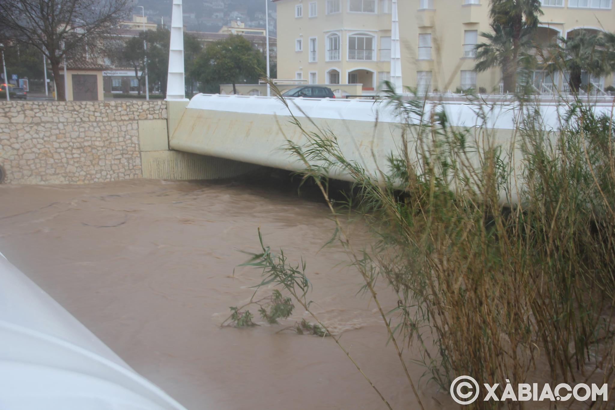 Pluie, vent et tempête de mer déchiquetés à Xàbia (45)
