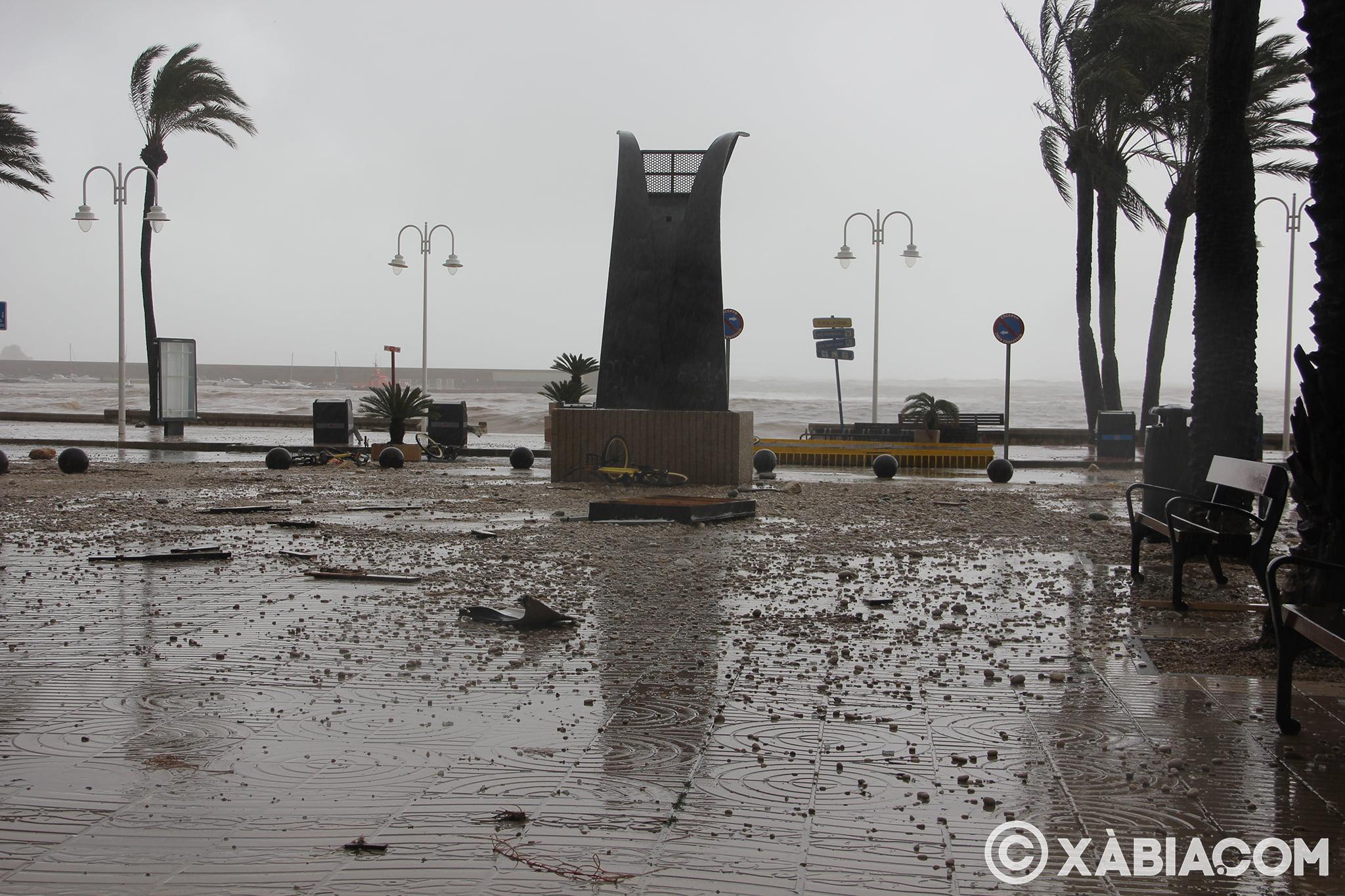 Pluie, vent et tempête de mer déchiquetés à Xàbia (49)